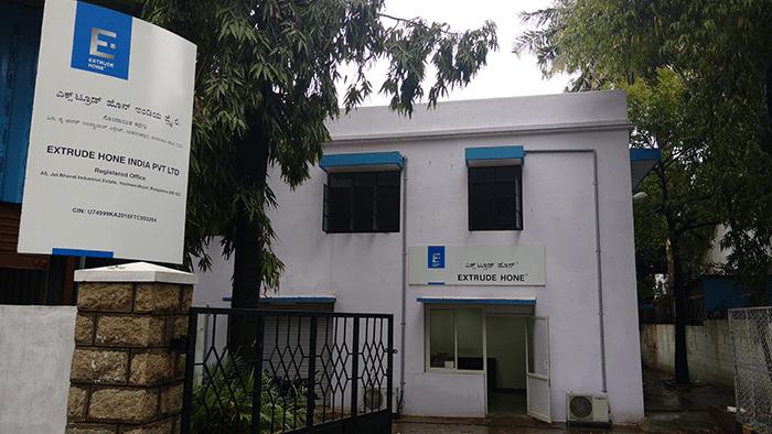 Extrude Hone-Bangalore, Indien bekannt